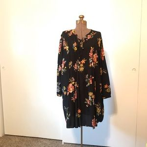 Floral Black Tunic Dress in Black